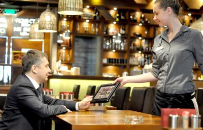 Электронное меню на планшетах